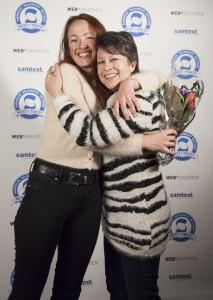 Inger Margrethe Nordqvist fra Min Butler takker jurymedlem Cristine Calvert for prisen Beste egenbeskrivelse.